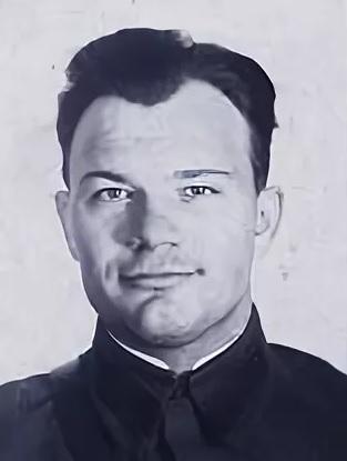Поэт Степан Смоляков